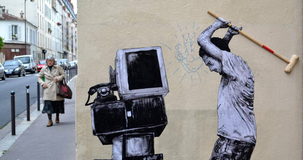 levalet new street pieces paris france streetartnews streetartnews. Black Bedroom Furniture Sets. Home Design Ideas