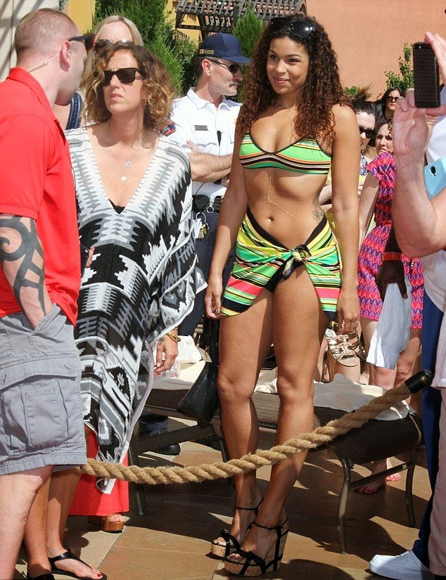 Jordin Sparks wears a green bikini at the pool party in Las Vegas‭ ‬on Saturday,‭ ‬April‭ ‬19,‭ ‬2014