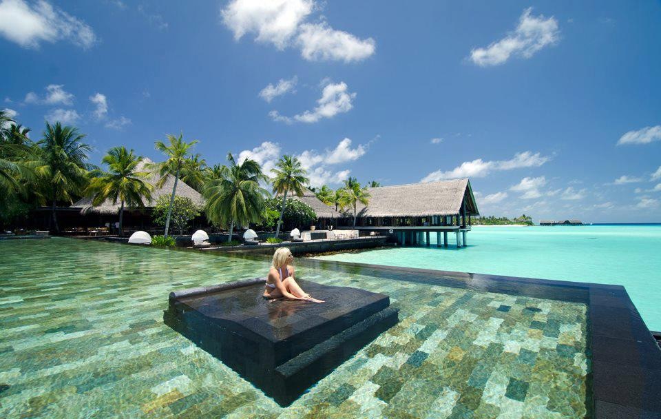 My amazing world: Relaxing in North Male Atoll, Maldives
