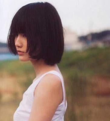 Model rambut bob berponi wanita jepang