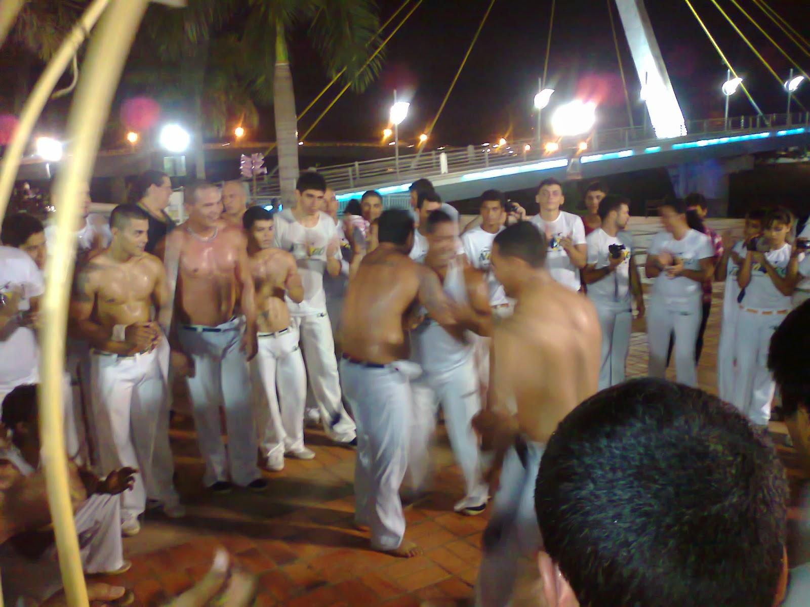 luta, capoeira, berimbau, roda, dança, mercado velho, corpo, camisa, pé no chão