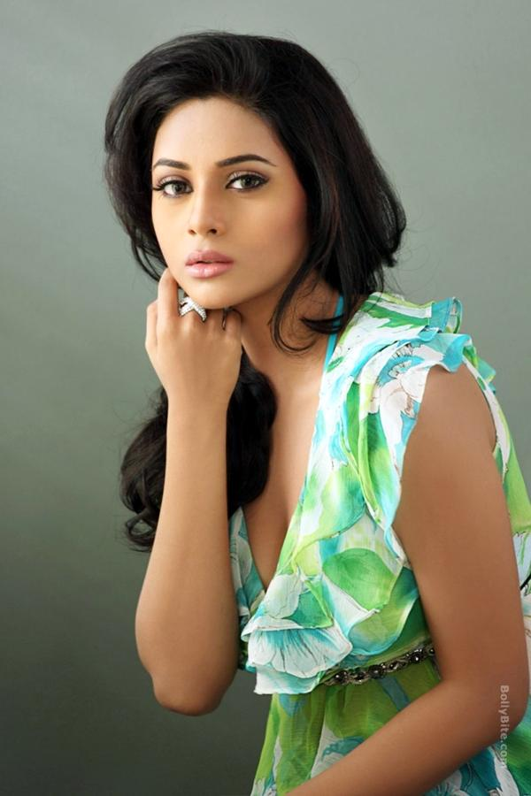Gorgeous Suza Kumar Photoshoot