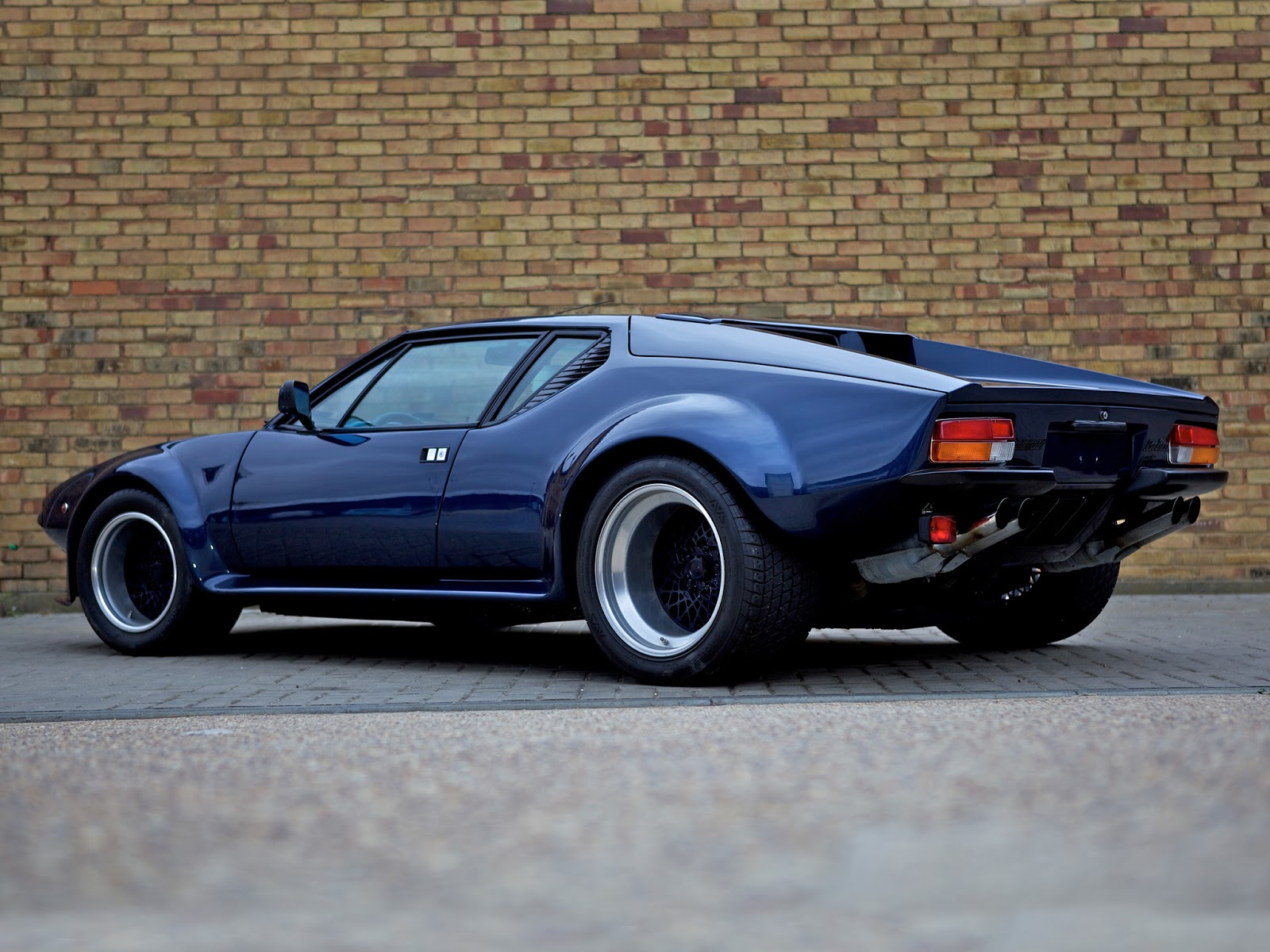 fab wheels digest f w d de tomaso pantera 1971 91. Black Bedroom Furniture Sets. Home Design Ideas