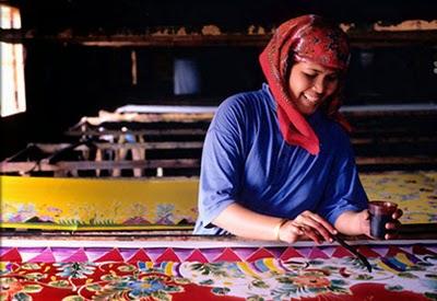 Pengrajin Batik di Malaysia