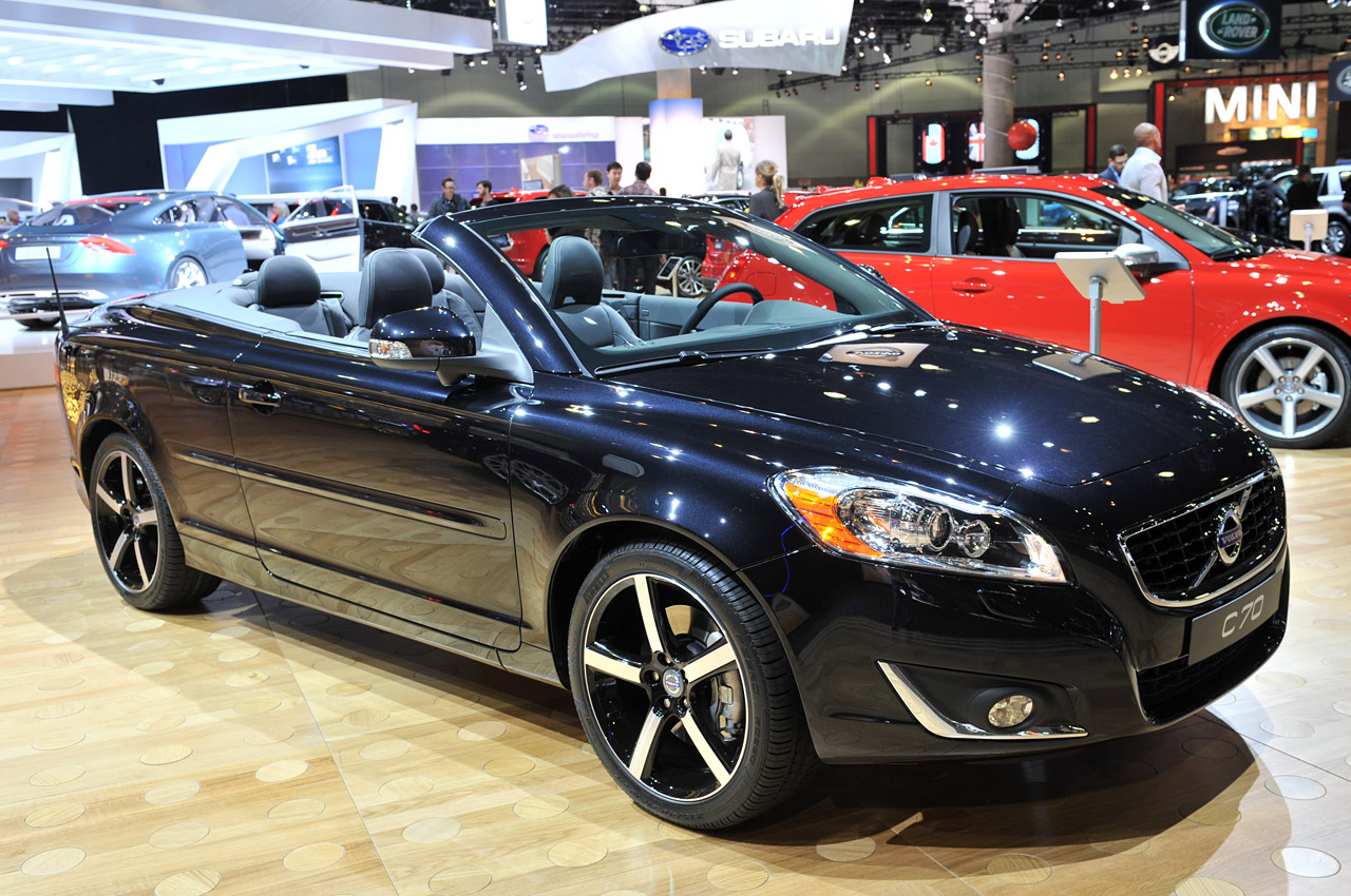 2017 volvo c70 convertible release date price and specs. Black Bedroom Furniture Sets. Home Design Ideas