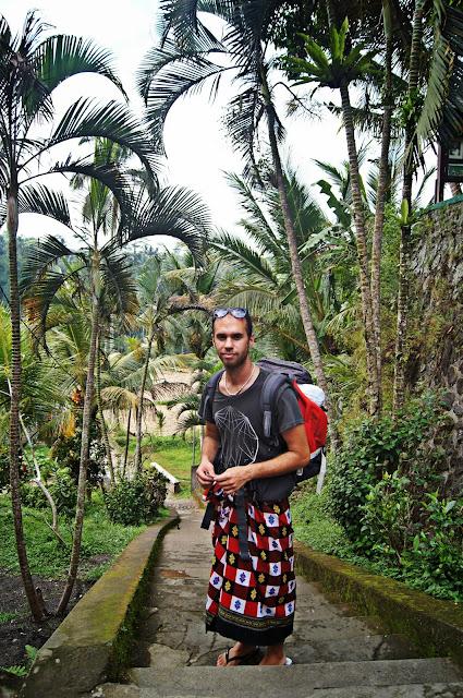 Sarong en Gunung Kawi