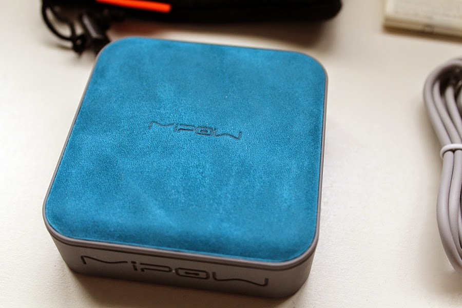 MIPOW Power Cube blue genuine leather