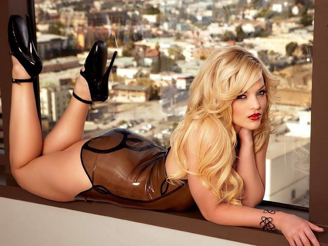 gorgeous blonde, bitch wallpaper