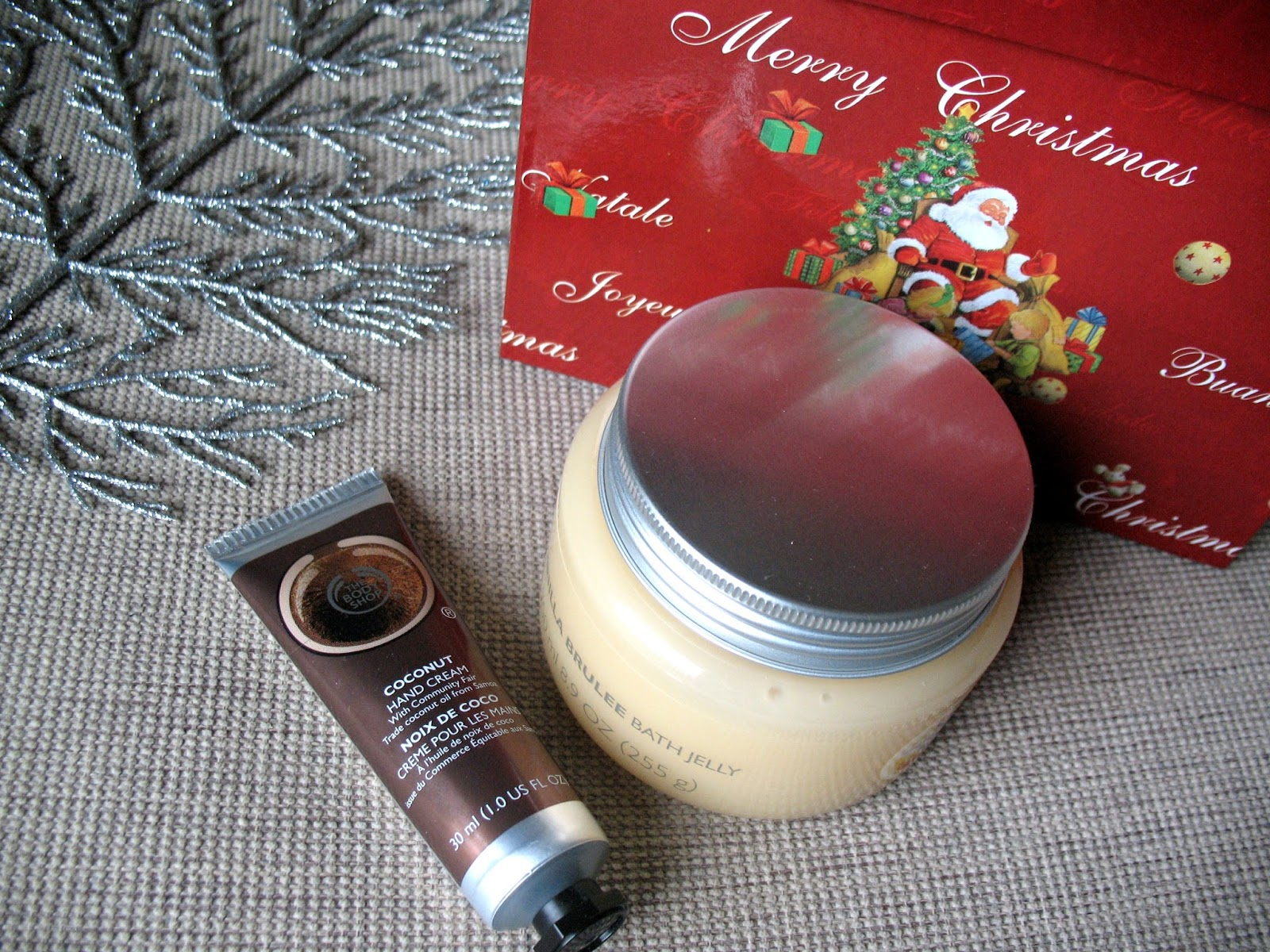 The_body_shop_vanilla_brulee_bath_jelly_coconut_hand_cream_review_beauty_blogger_photo_01