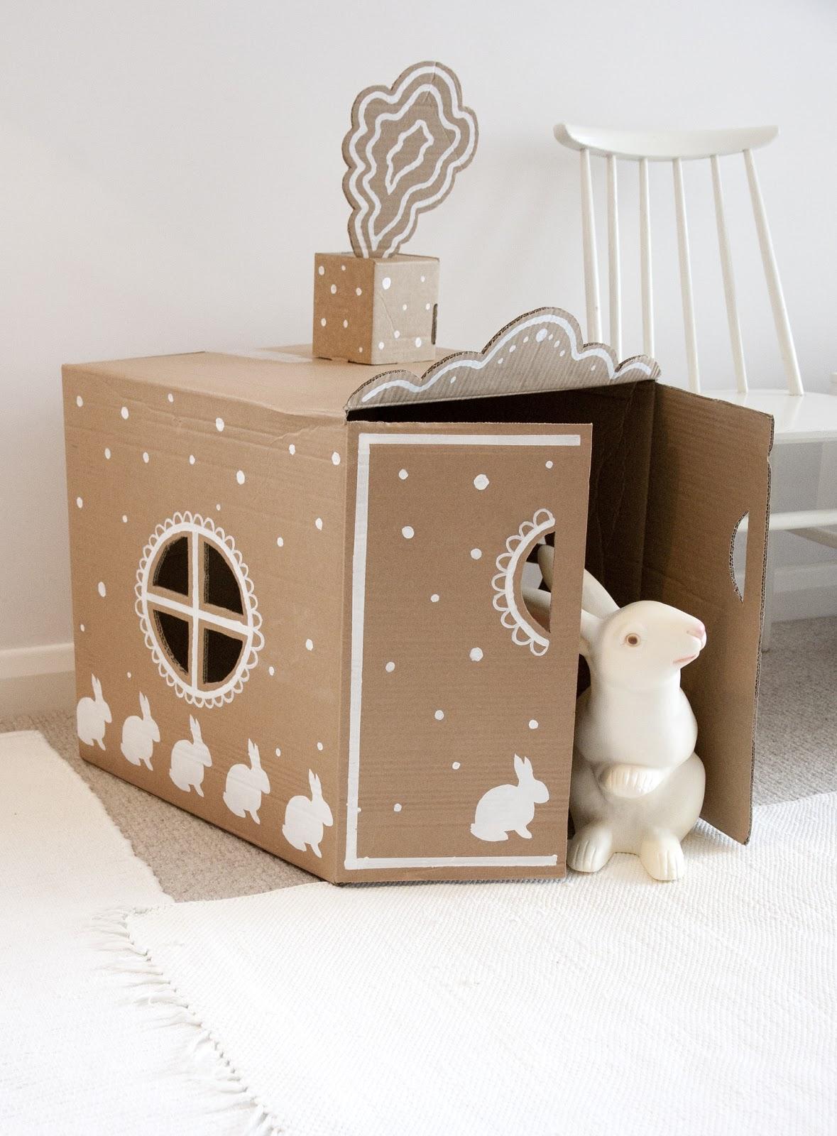 ukkonooa pahvimaja diy cardboard box house. Black Bedroom Furniture Sets. Home Design Ideas