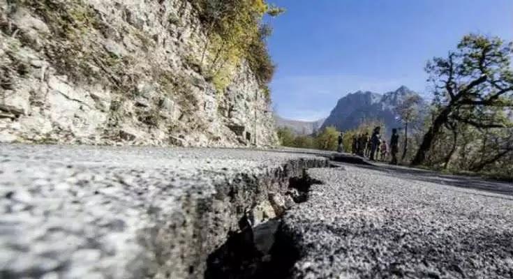 Το εδάφος μετακινήθηκε έως 70 εκατοστά μετά τον σεισμό στην Ιταλία