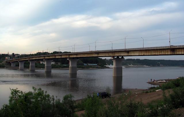 Как отметить день рождения летом - устроить закатный пикник на реке. Томск, Томь, июнь 2012