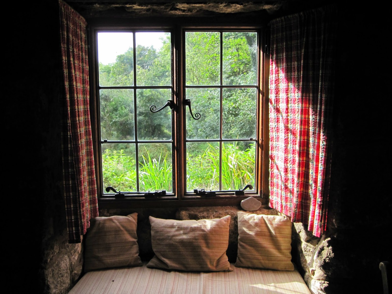 Cottage window. Photography by A Handmade Cottage