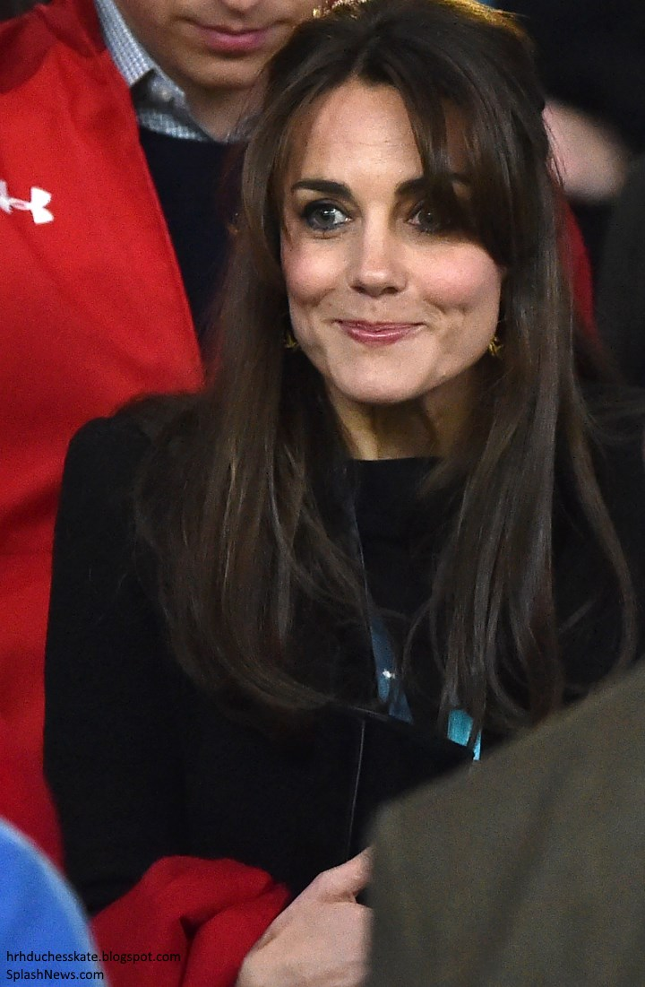 Duchess Kate Updated Surprises In Print Trousers For England Coat Dan Long Blazer Debuted An Eye Catching Pair Of New Earrings By Jewellery Designer Catherine Zoraida With Thanks To Sophie From What Wore Fb