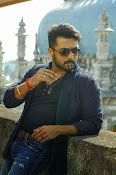 Suriya Rocking Stills from Anjaan Tamil movie-thumbnail-3