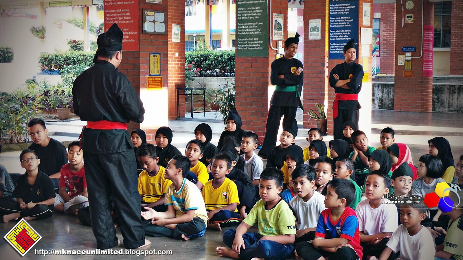 Full revised   Silat gayung   SK Taman Nusa Perintis. Bersama Syafinaz pagi  ni untuk sesi Latihan Silat gayungnya. Pagi ni sesi perkenalan bersama guru  guru ... 9525696cd9