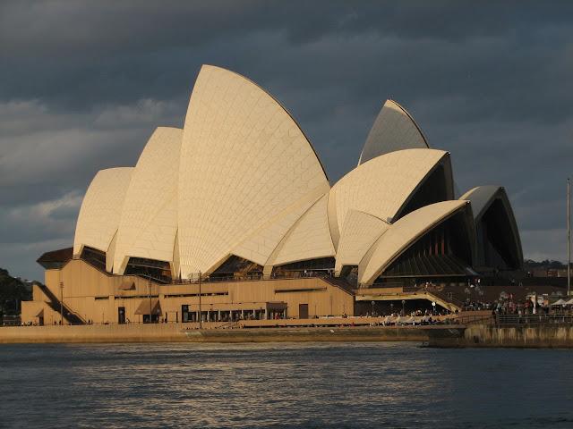 the sydney opera house story essay