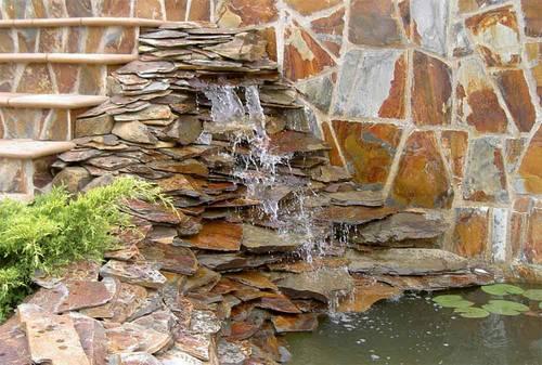 Arte y jardiner a cascadas construcci n de una cascada for Cascadas de piedra para jardin