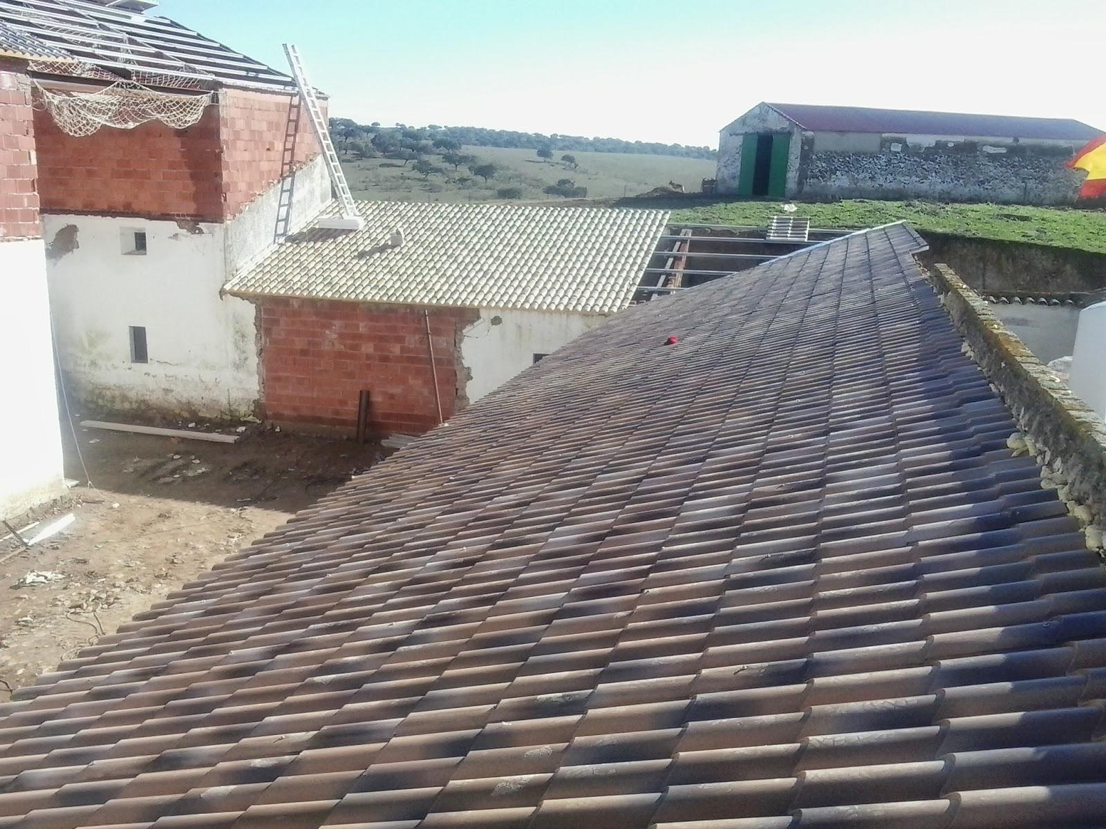 Reparar un tejado de chapa en la cubierta de la nave - Cubiertas de tejados ...