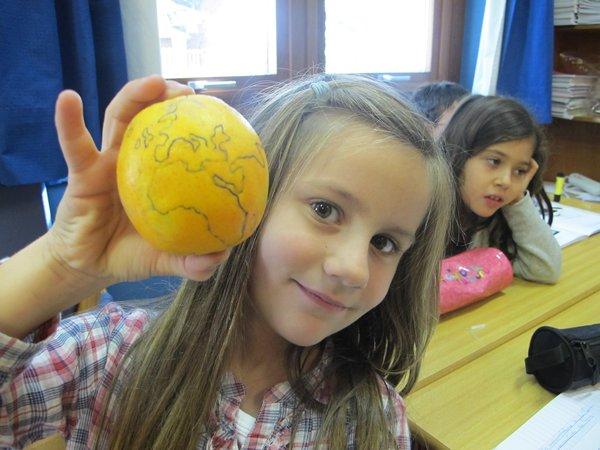 Notre CP/CE1 à Lisbonne: La Terre est bleue comme une orange...?