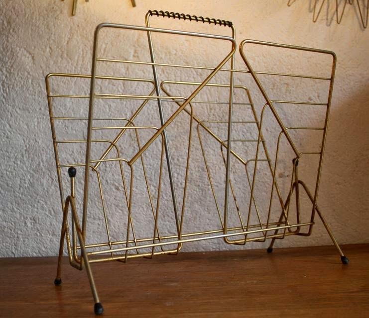 Chicbaazar objets vintage 50 60 70 porte revues vintage for Porte metal 60