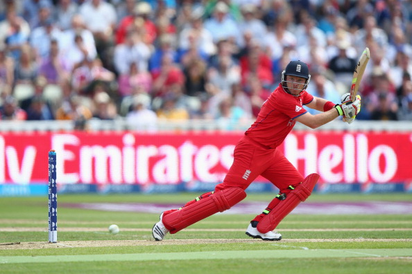 England won their first match against Australia in champions trophy2013