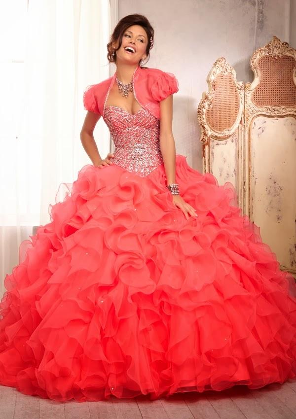 Excelentes vestidos de 15 años estilo princesa