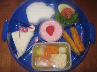 Nasi putih, Sup Tahu bakso ayam, Chiken nugget sayuran