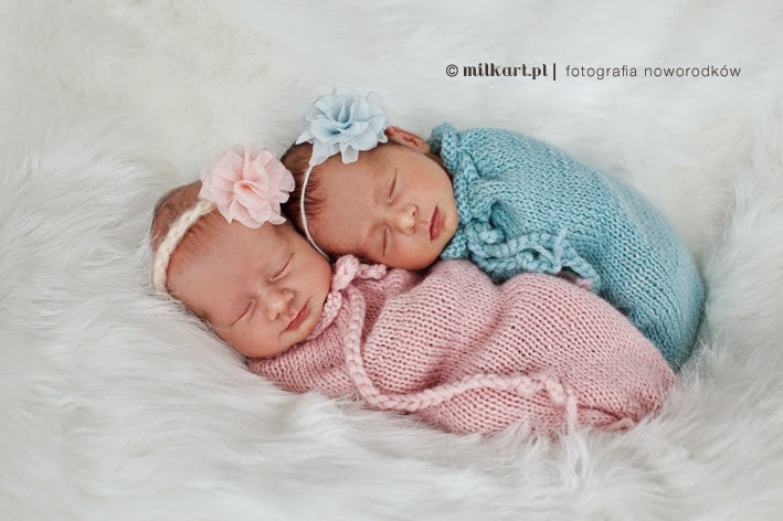 fotografia-noworodków-bliźniaki-bliźnięta-twins-sesja-zdjęciowa-blizniąt-noworodków-dzieci-niemowląt- sesje-fotograficzne-poznań-studio-fotograficzne-najlepszy-fotograf-noworodkowy-dziecięcy-poznań-fotografia-dziecięca-fotograf-Joanna-MILKart