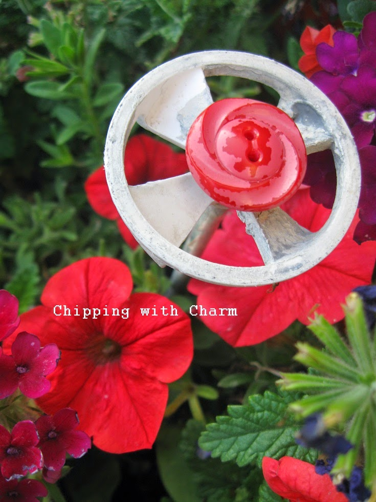 Chipping with Charm: Junky Flower FUN...http://chippingwithcharm.blogspot.com/