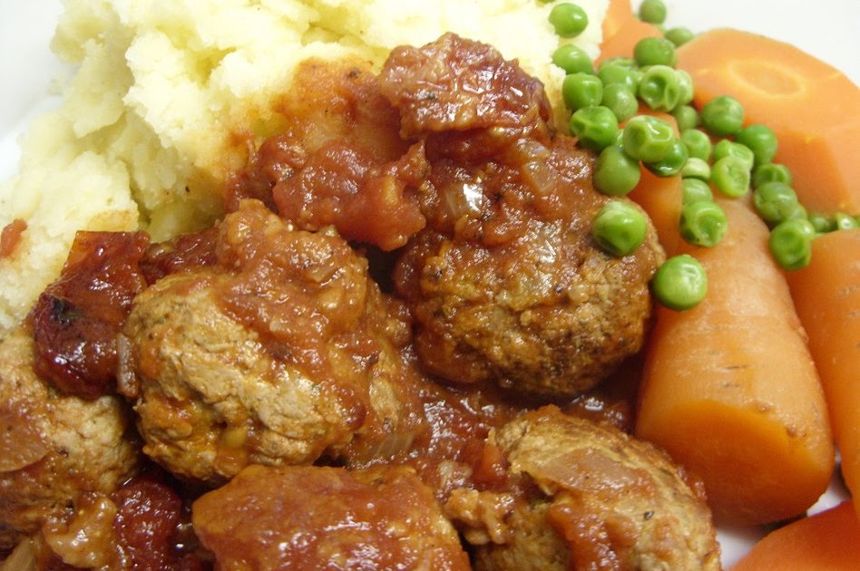 ... Eatwell's Rhubarb & Ginger: Turkey & pesto meatballs in tomat...