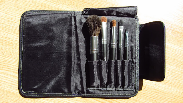 coastal scents go travel brush set