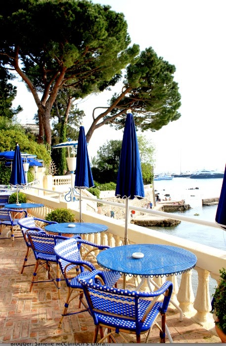 A library of design places to stay provence and the for Best places to stay in south of france