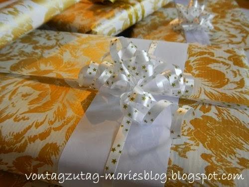 http://vontagzutag-mariesblog.blogspot.co.at/2013/12/kleine-geschenke-in-wei-und-gold.html