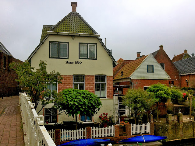 Picture of houses along the Damsterdiep in Appingedam, north Groningen.
