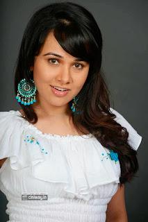 Actress-Priyanka-Kothari-Photoshoot