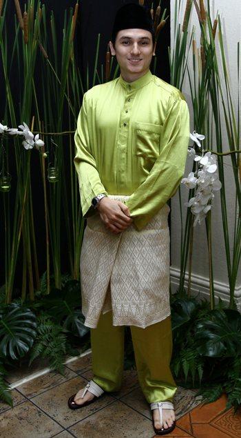Zain Saidin Sambut Raya Cara Melayu