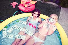 Quien dijo que el dinero no compra la felicidad no sabe donde comprar