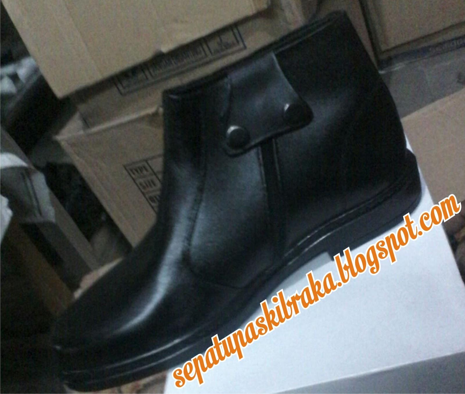 Sepatu Paskibra Grosir Pdh Tali Ressleting Mengkilap Size Normal 38 42 Harga 175000 Large 43 45 220000 Order Resleting