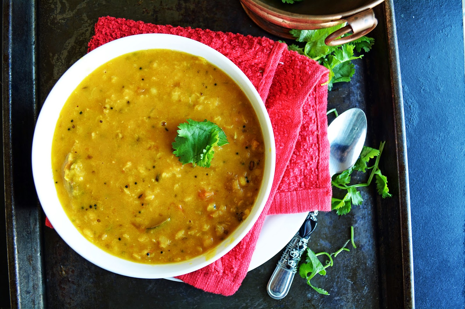 Tomato Pappu / Andhra style Lentils with Tomato