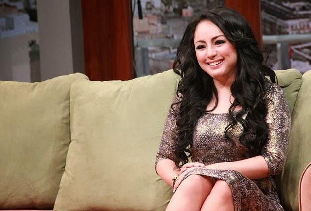 Regina Jubir Farhat Abbas cantik