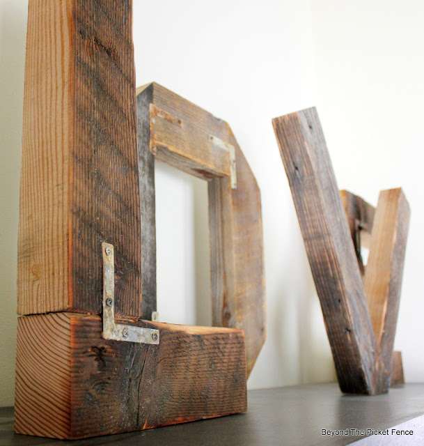 salvaged wood, barnwood, LOVE,  http://bec4-beyondthepicketfence.blogspot.com/2015/12/these-are-few-of-my-favorite-things_30.html