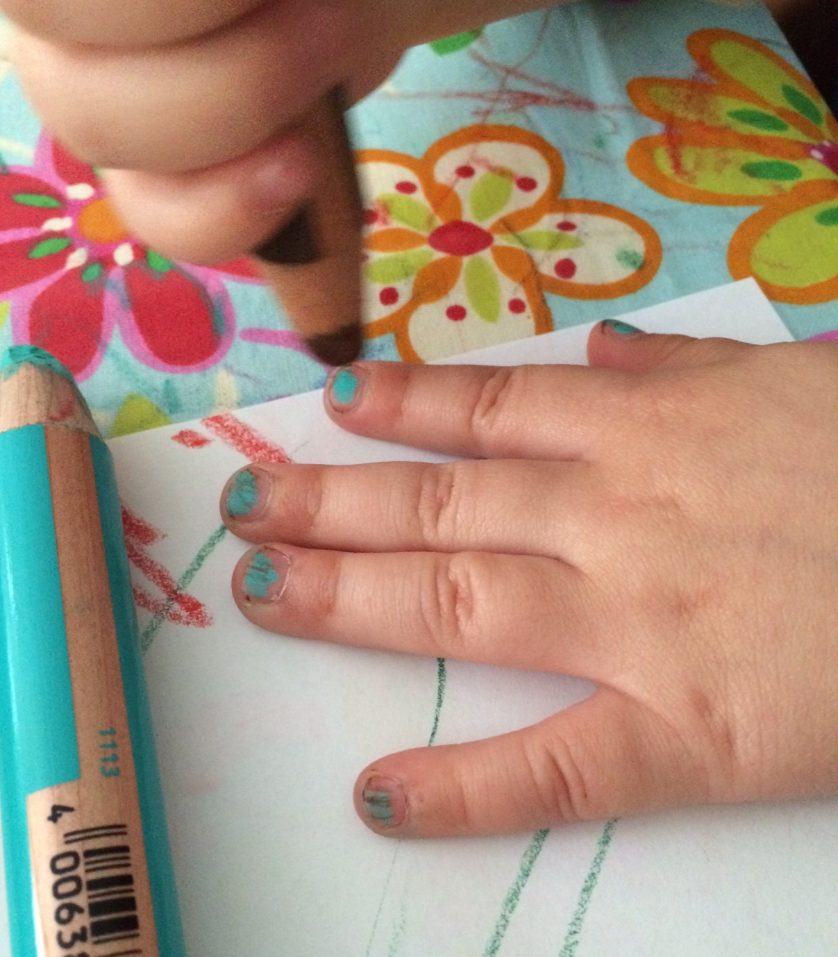 lacke in farbe und bunt essie mint candy apple with freckles marzipany. Black Bedroom Furniture Sets. Home Design Ideas