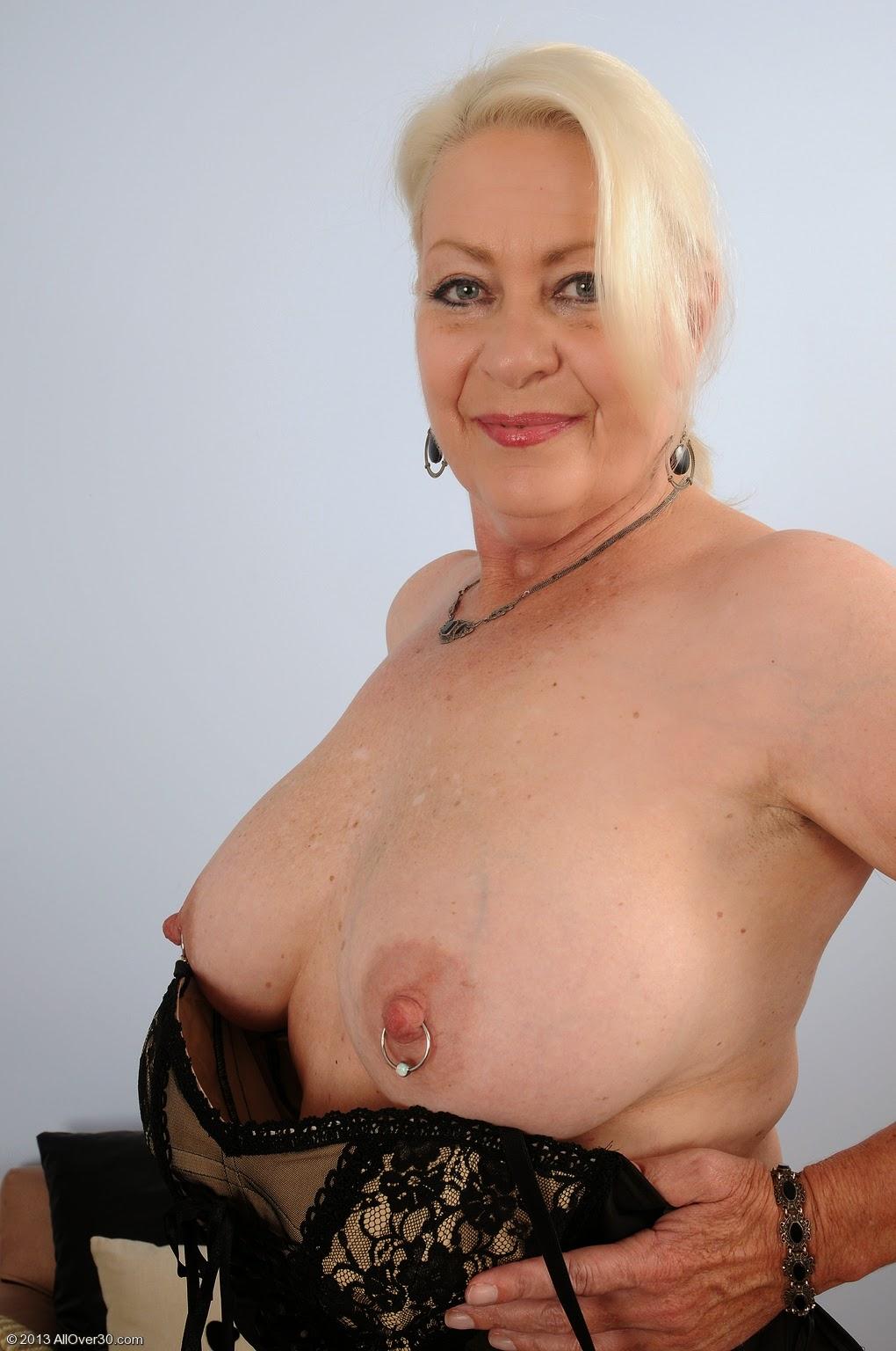 Naked australian girls big boobs