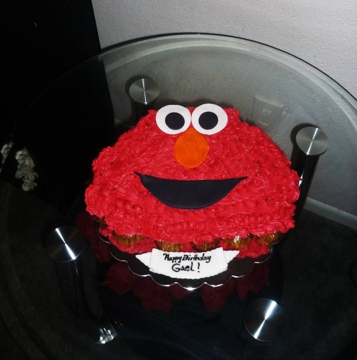 happy birthday elmo pics. Happy Birthday Elmo#39;s cupcakes