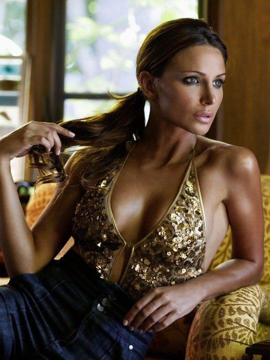 Stephanie Inorio Nude Photos 16