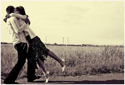 Tips Cara Membuat Wanita Jatuh Cinta