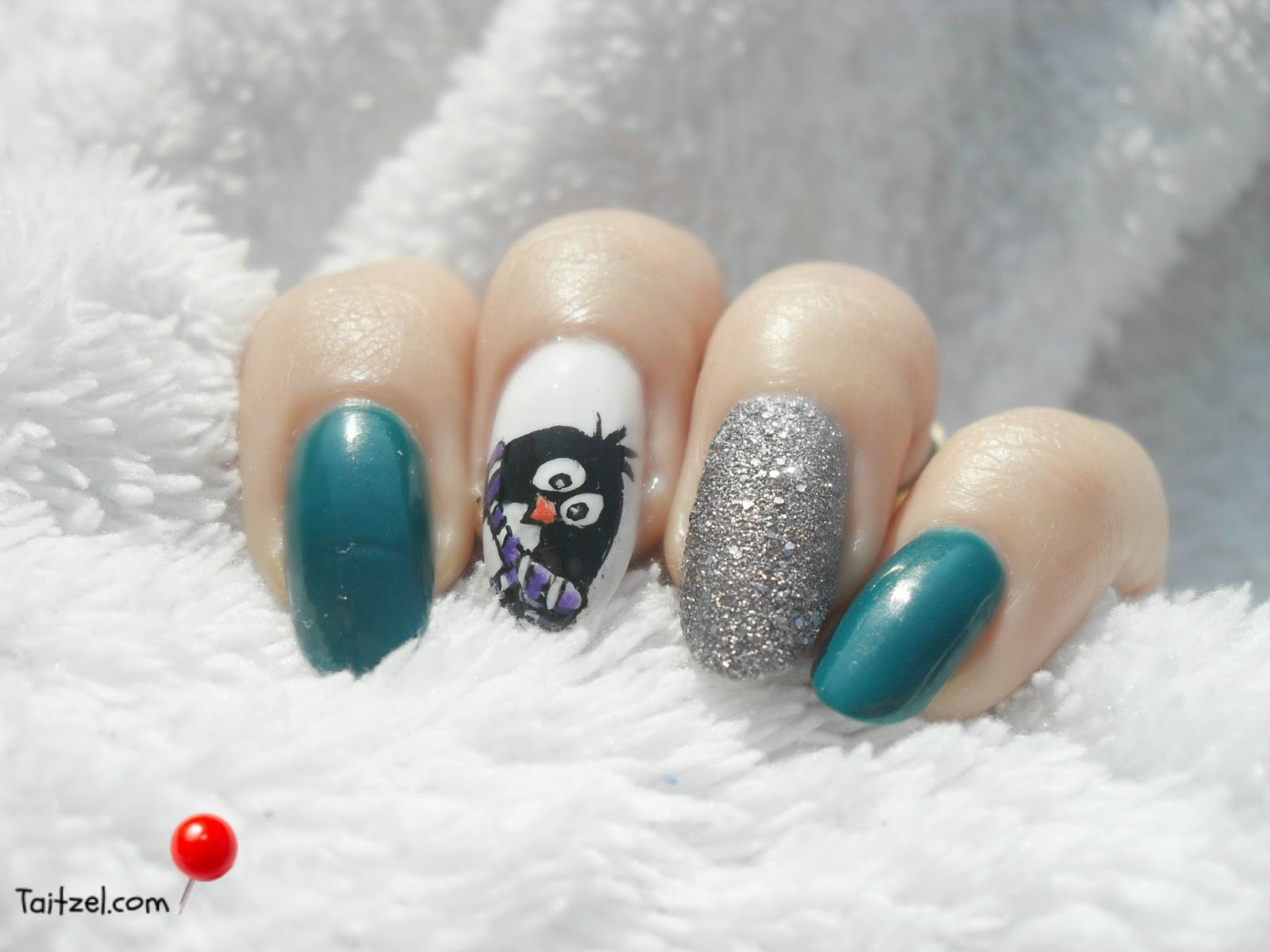 Model de unghii pentru craciun cu pinguin de iarna christmas nail art taitzel beauty - Modele nail art ...