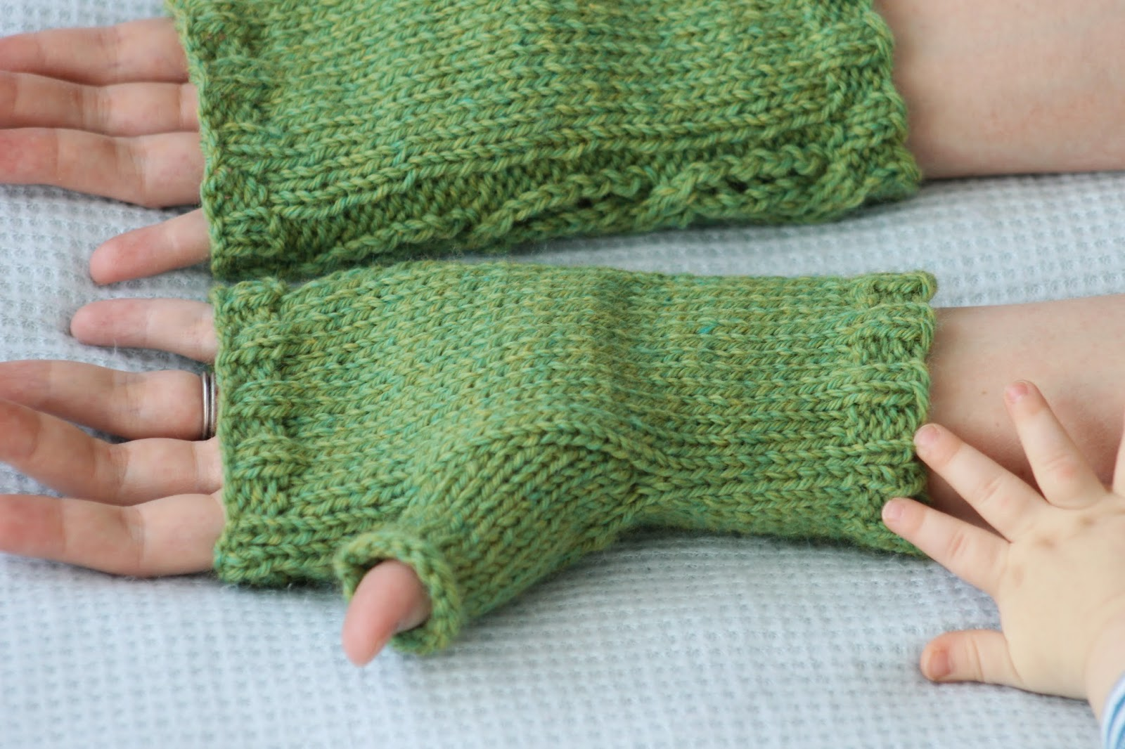 Balls to the Walls Knits: Lace Cable Fingerless Gloves