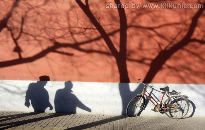 http://3.bp.blogspot.com/-GxJgu15sdOY/TX3oHKFTFcI/AAAAAAAARfQ/PHcAIwI_p78/s1600/shadow_06.jpg